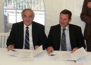 Signature-Charte-de-Gouvernance-Locale